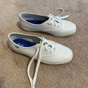 Ked's Women's Champion Leather Sneaker 7.5 white
